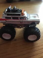 GHOSTBUSTERS ECTO 1 CUSTOM BUILT HOT WHEELS MONSTER JAM TRUCK 1/64