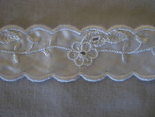 2 Metros Blanco festoneado satinised Broderie Anglaise 25 Mm De Ancho-edgings
