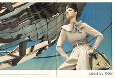 Publicité 2008 (double page)  LOUIS VUITTON  sac à main accessoire mode
