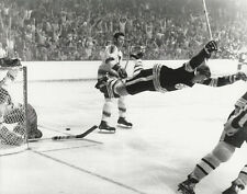 BOBBY ORR 8X10 PHOTO HOCKEY BOSTON BRUINS NHL PICTURE THE GOAL