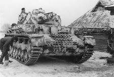 B&W WW2 Photo WWII German Pzkpfw. IV Russia Winter Camo