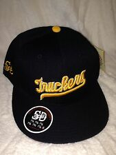 STALL & DEAN DC TRUCKERS FITTED HAT (8)