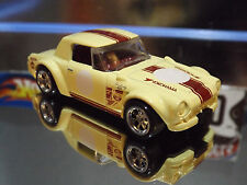 HOT WHEELS SPECIAL CUSTOM FAIRLADY 2000, LEGENDS of SPEED Car with Real Riders