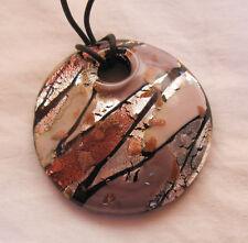 Nouvelle collection  Pendentif en verre de Murano authentique .