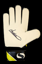 *New* Jim Montgomery Sunderland Football Club Hand Signed Goal Keeper Glove :A