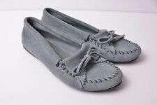 Minnetonka Moccasins Grey Suede Leather Kilty Fringe Bow Loafers Women's size 10