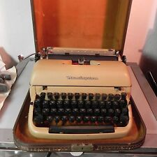 Vintage Remington Quiet-Riter  Typewriter w/ Green Keys in Case Works Great