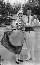 BR38990 Comtat venaissin folklore costumes couple