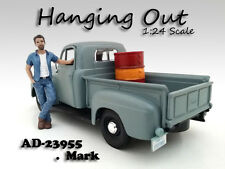 """HANGING OUT"" MARK FIGURE FOR 1:24 SCALE MODELS AMERICAN DIORAMA 23955"