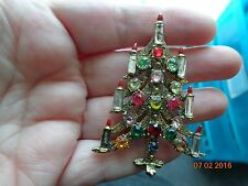 VINTAGE EXQUISITE COLORFUL RHINESTONE CHRISTMAS TREE PIN/BROOCH