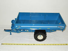 Kinze 1050 Grain Cart   With Sof-Tred Tires  By SpecCast  1/16th Scale