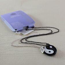Due parti magnete in bianco e nero collana di yin yang segno / collane