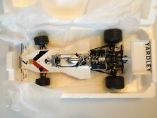 1:18 McLaren Ford M23 Yardley D.Hulme 1973 Minichamps 530731807