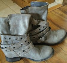 Steve madden gray leather belted/buckled boots 7