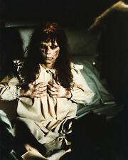 Linda Blair UNSIGNED photo - 1365 - The Exorcist