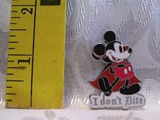 WALT DISNEY 2009 VAMPIRE COUNT DRACULA MICKEY MOUSE I DON'T BITE TRADING PIN