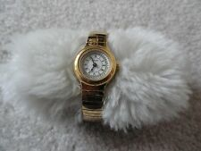 Pretty Ladies Citizen Quartz Watch with a Stretch Band