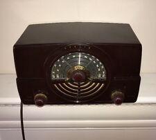Beautiful Vintage 1950's Bakelite Zenith AM/FM Tube Radio Model 7H820Z-RESTORED!