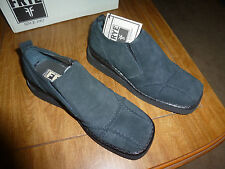Frye Shoes  Woman's Black Avenger Slip On Shoes Size 8 M New in Box