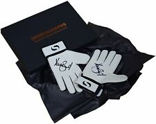 Dave Beasant SIGNED Pair Goalkeeper Gloves Autograph Gift Box Wimbledon PROOF