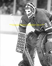 KEN DRYDEN In NET Up CLOSE 8x10 Photo MONTREAL CANADIENS HOF GOALIE GREAT WoW