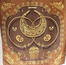 """Carré foulard HERMES """" les CAVALIERS d'OR """" RYBAL 1975 twill de soie silk scarf"""