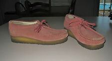CLARKS ORIGINALS WALLABEE MAUVE ROSE SUEDE ANKLE SHOES SIZE 6 1/2M LOOKS GREAT