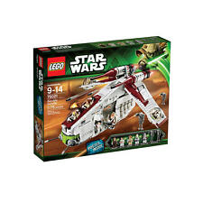 LEGO Star Wars REPUBLIC GUNSHIP 75021 Sealed Retired Set Anakin Obi Wan