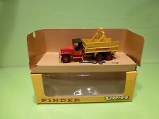 VEREM V852 G.M.C. GMC CCKW 6x6 - CIRCUS PINDER - RED - GOOD CONDITION IN BOX