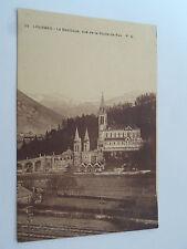 CPSM Lourdes la Basilique vue de la route de Pau