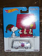 HOT WHEELS PEANUTS '66 DODGE A100 VAN SNOOPY 2016 XMAS