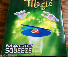 SQUEEZE PLAY MAGIC PENETRATION CLOSE-UP EFFECT