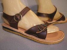 7.5 NEW DK BROWN Vtg 70s LEATHER BUCKLE BOHO FLAT SANDAL NOS STRAPPY HIPPIE Shoe