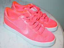 2011 Nike Sweet Classic Textile Hot Punch Casual Low Shoes! Size 8.5 $109.95