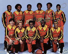 MEADOWLARK LEMON BUCKETEERS 8X10 TEAM PHOTO