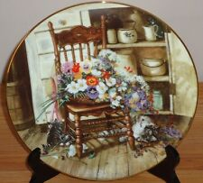 """COUNTRY CUTTINGS 8.5"""" collector's plate w/Cat Kittens and basket of Flowers"""