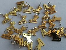 Lot of 50 Genuine VINTAGE Circa 1950s WINGED ICE SKATES Charms BRASS STAMPED