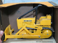 John Deere 450 Crawler Dozer Tractor Toy Ertl 1/16th New in Box NICE!!!!