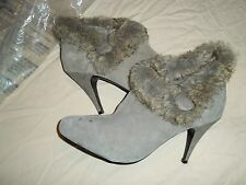 Cushion Walk Genuine Suede Boots Size 8.5 from Avon Faux Fur Gray NWT