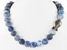 Schöne Halskette aus Fossilachat  mit Tibet-Silber-Fisch-Perlen Zwischenteilen