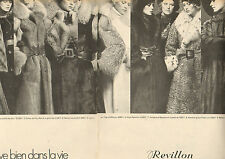Publicité 1972  ( Double page)  Revillon Fourrure Collection Mode Manteau