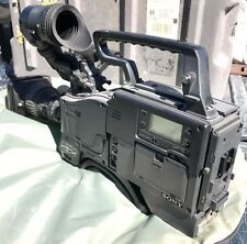 Hitachi Z-3000 Camera with a Sony PVV-3 and a Canon YJ18x9B4 lens