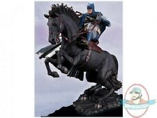 Batman: The Dark Knight Returns A Call to Arms Statue Dc Collectibles