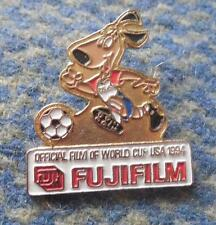 WORLD CUP SOCCER FOOTBALL FUSSBALL USA 1994 FUJI OFFICIAL FILM PIN BADGE