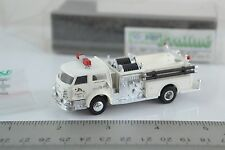 Praline Busch LaFrance Pumper Fire Engine - Engine Co. No 4 White  HO 1:87 Scale
