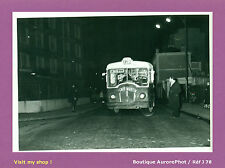 "PHOTO DE POLICE CONSTAT D'ACCIDENT 1955, VIEUX BUS VINTAGE "" CAFÉ MARTIN "" -J78"