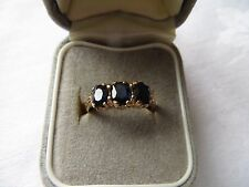 BEAUTIFUL VINTAGE (1977)  9ct YELLOW GOLD SAPPHIRE TRILOGY RING, UK SIZE K. 2.2g