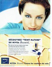PUBLICITE ADVERTISING  116  1997   Nivea beauté  maquillage fond de teint