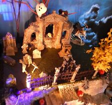 HALLOWEEN Abandoned CHURCH Graveyard VILLAGE Display platform base Dept 56
