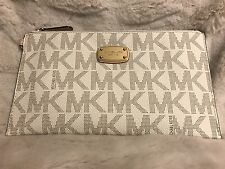 NWT MICHAEL KORS JET SET PVC LARGE ZIP CLUTCH/WRISTLET IN VANILLA
